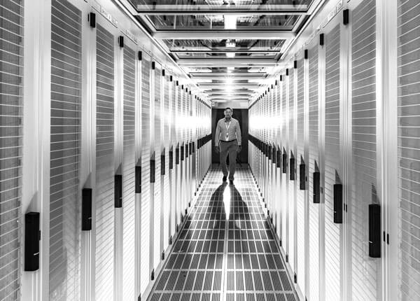 Macquarie Telecom Group - IC2 data hall housing secure cloud and dedicated hosting for Australian business looking at colocation